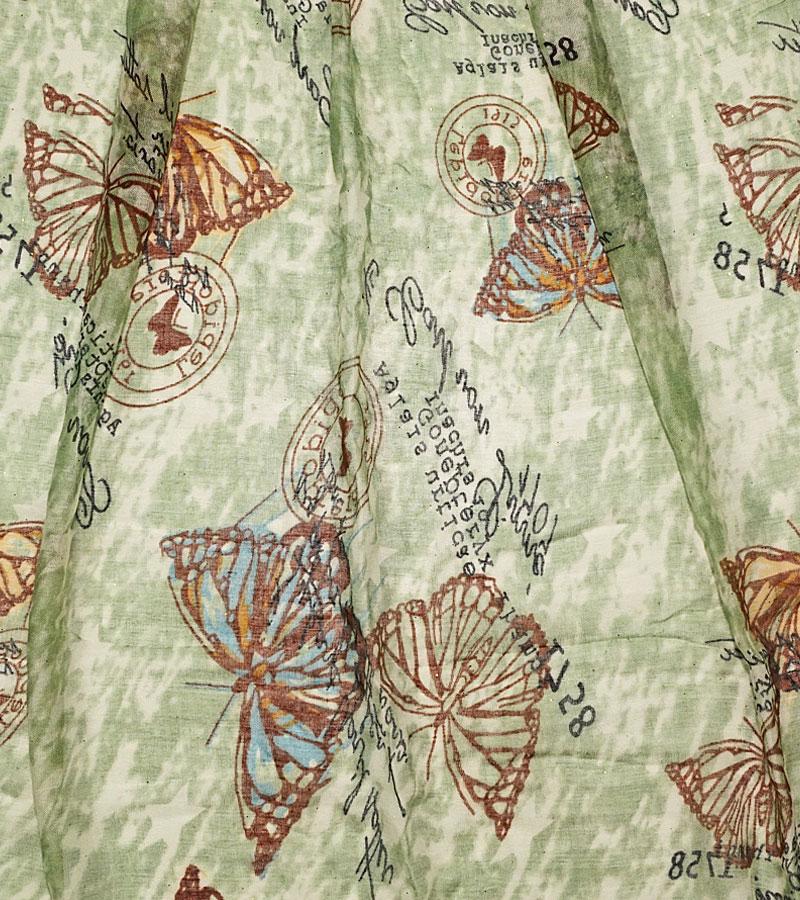 uecher und Schals mit Schmetterlingen